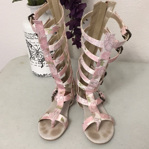 b347668612e Joyfolie Other - Joyfolie Gladiator sandals youth Girls size 1